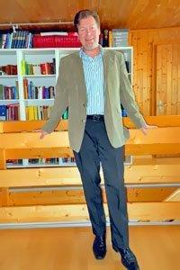 Rene Hauser lebt in der Schweiz